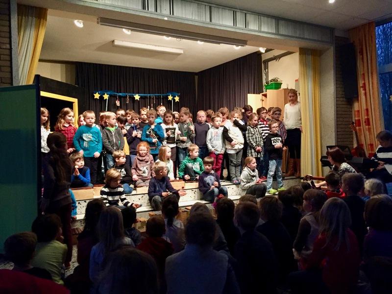 Grundschule Langholt - Weihnachtsbühne